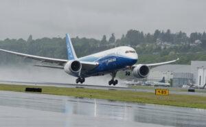 Boeing 787 takeoff