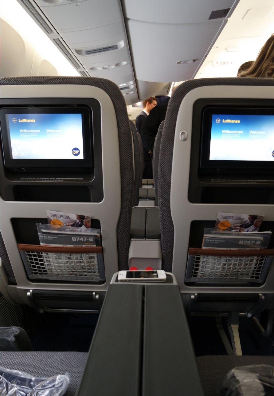 Lufthansa Premium 3