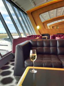 champagne-qantas-lounge --JW
