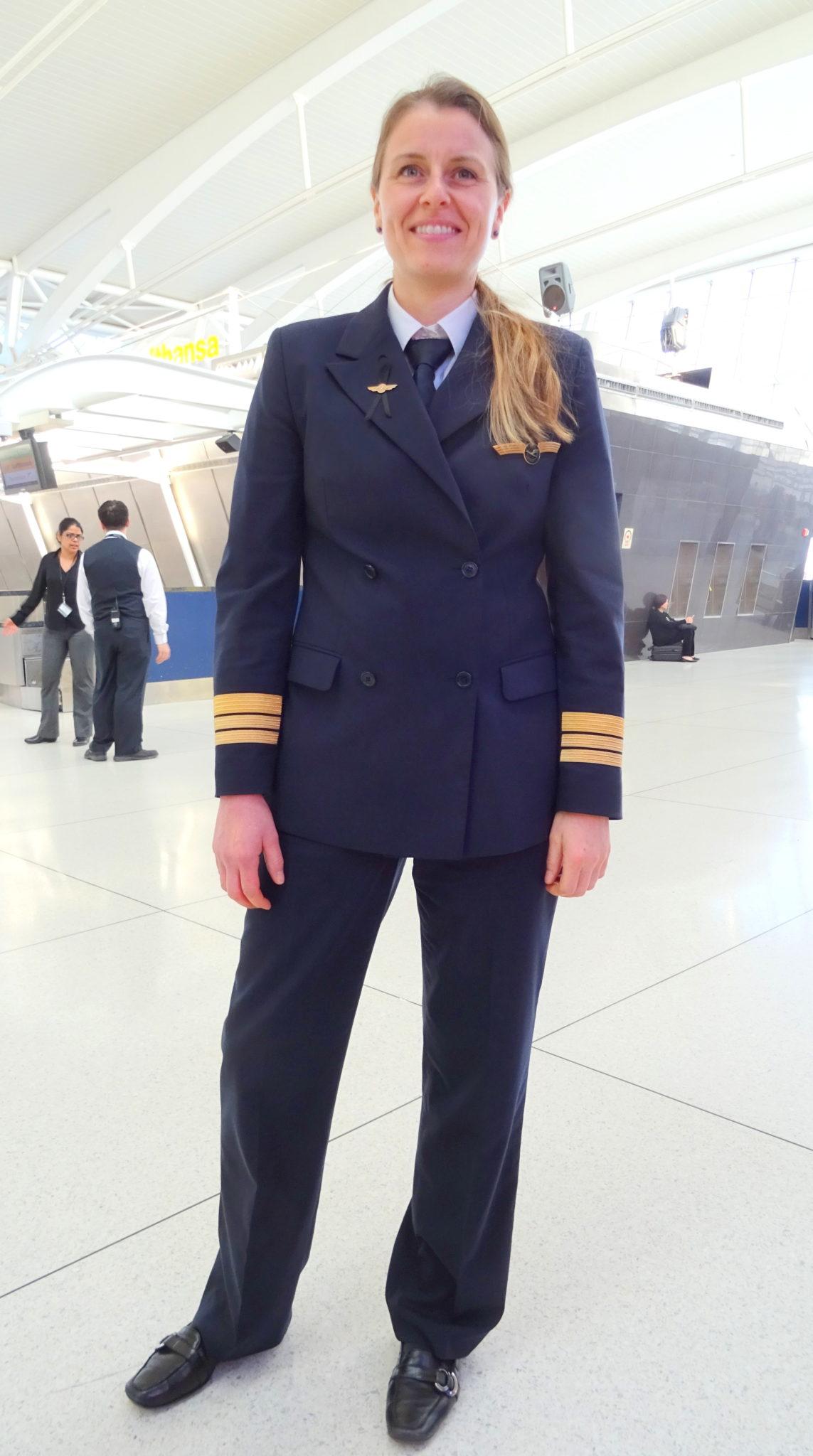 Diana Busch 747 first officer Lufthansa
