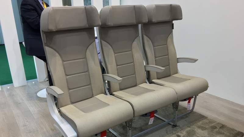 aviointeriors-columbus-c4-premium-economy-seat (1)