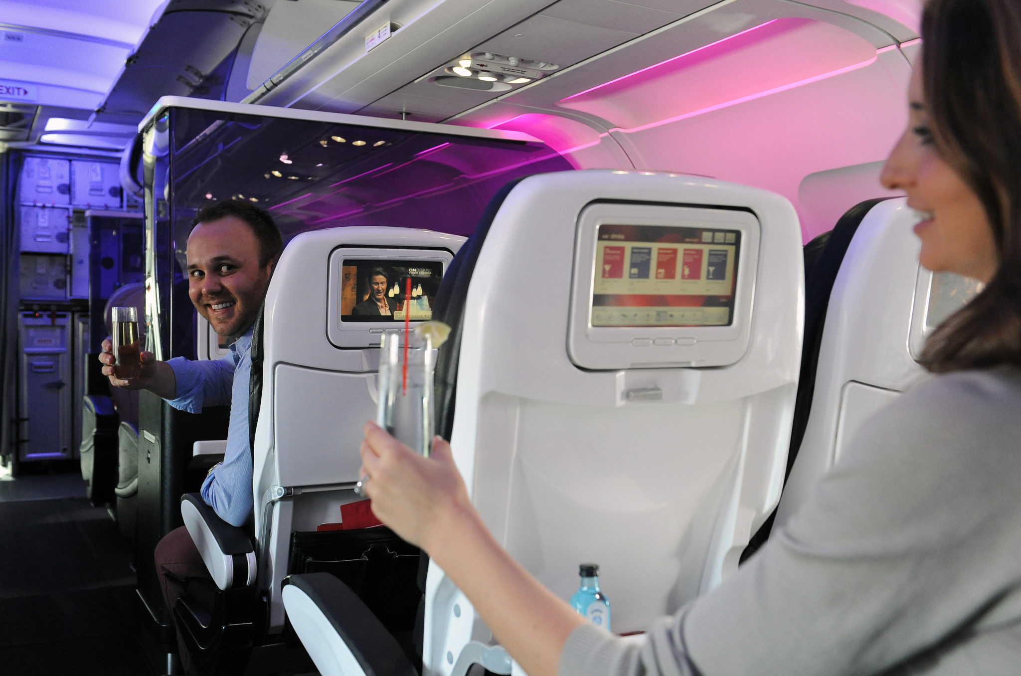 Virgin America passengers delighted by the #PaxEx experience they were offered on course to Honolulu, including free Mamosas. Image: Virgin America