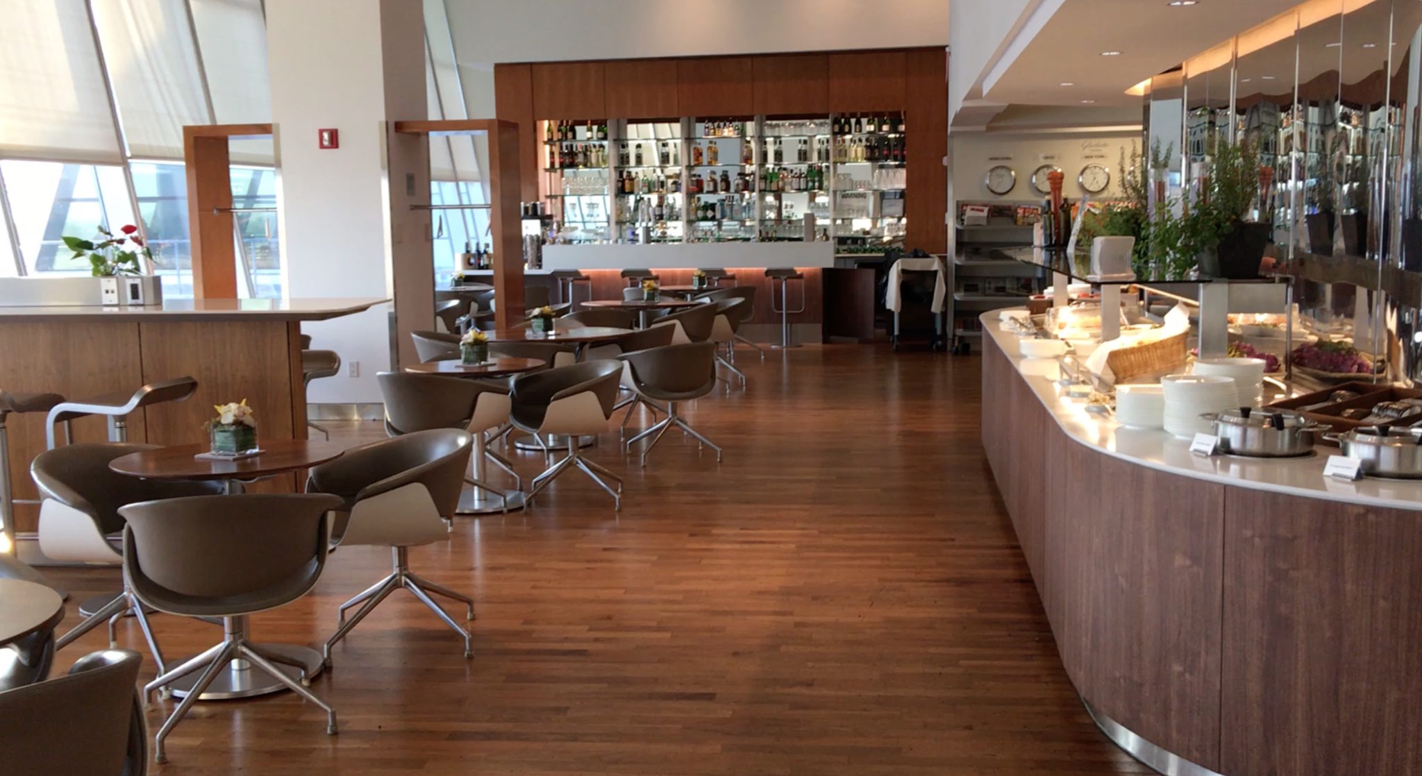 The café-bar-dining area is small — too small for three flights a night with only a light dinner service. Image: John Walton