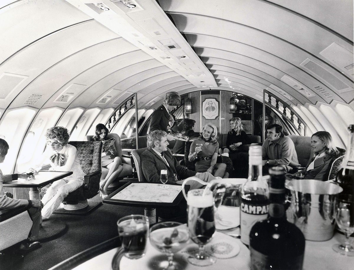 Qantas historic Captain Cook 747 lounge is an iconic part of airline history. Image: QF