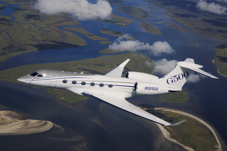 Gulfstream G500 Cabin To Cosset Passengers Runway