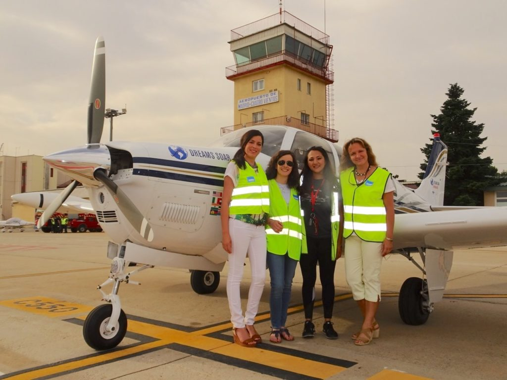 Spain's Aviadoras initiative normalizes the role of women ...