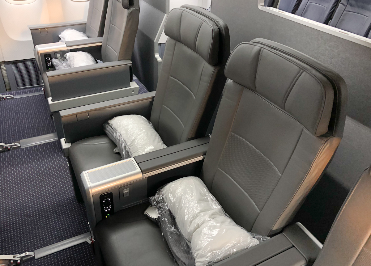 What to expect in American Airlines Premium Economy to Hawaii