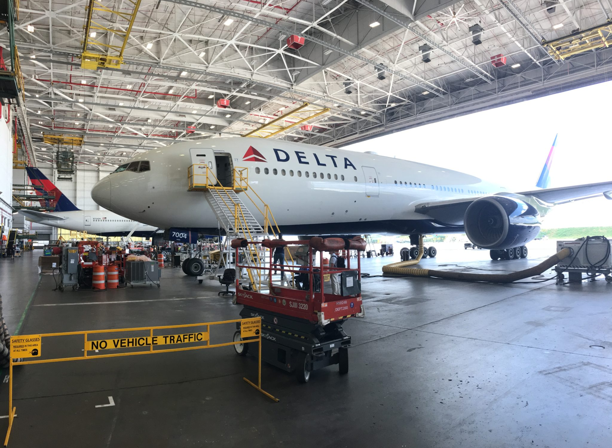Delta bucks industry trend by ensuring comfort for 777 economy class