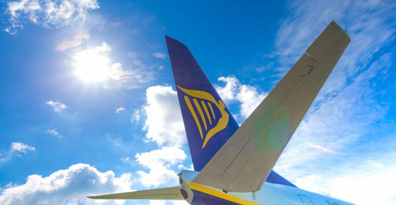 Ryanair 737-800 aircraft tail