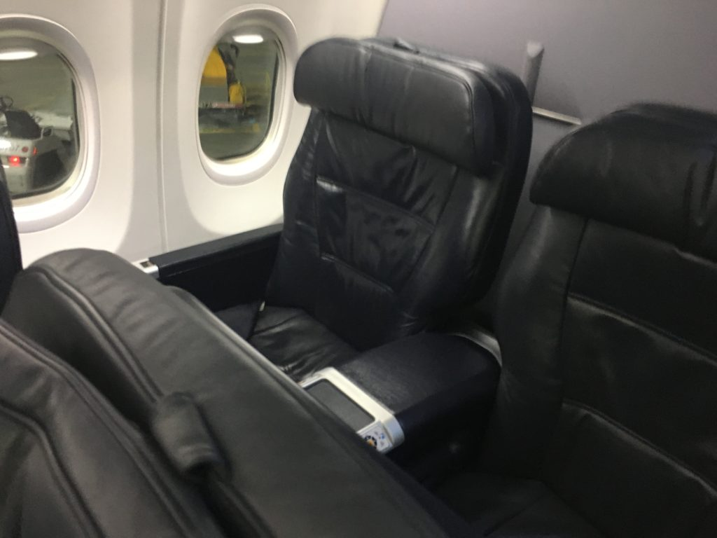 first class cabin seat on United Airlines Boeing 737-900