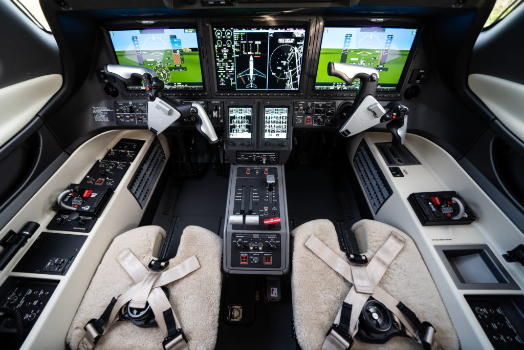 Pilot and co pilot seating in the Phenom 300