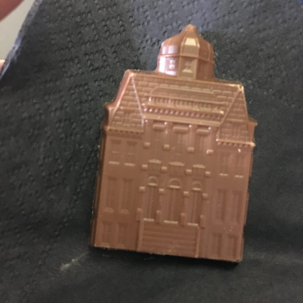 dutch house gift