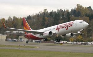 A SpiceJet 737 on takeoff