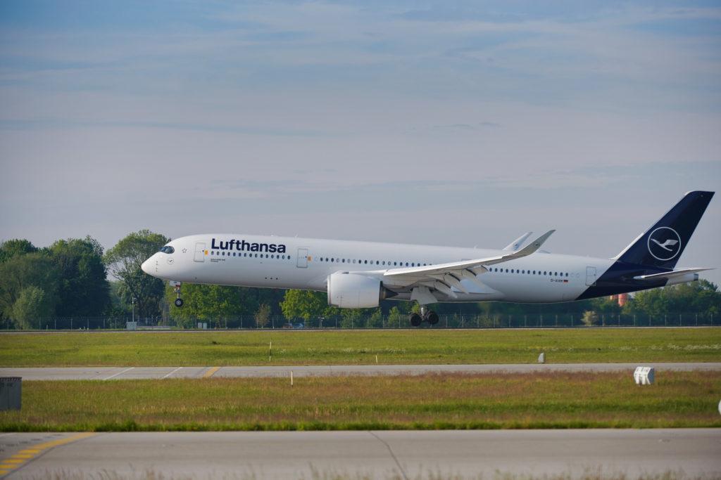 Lufthansa A350 take off runway