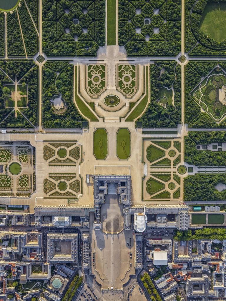 Aerial photographs, architecture, housing, ports, airports, marinas, Versailles