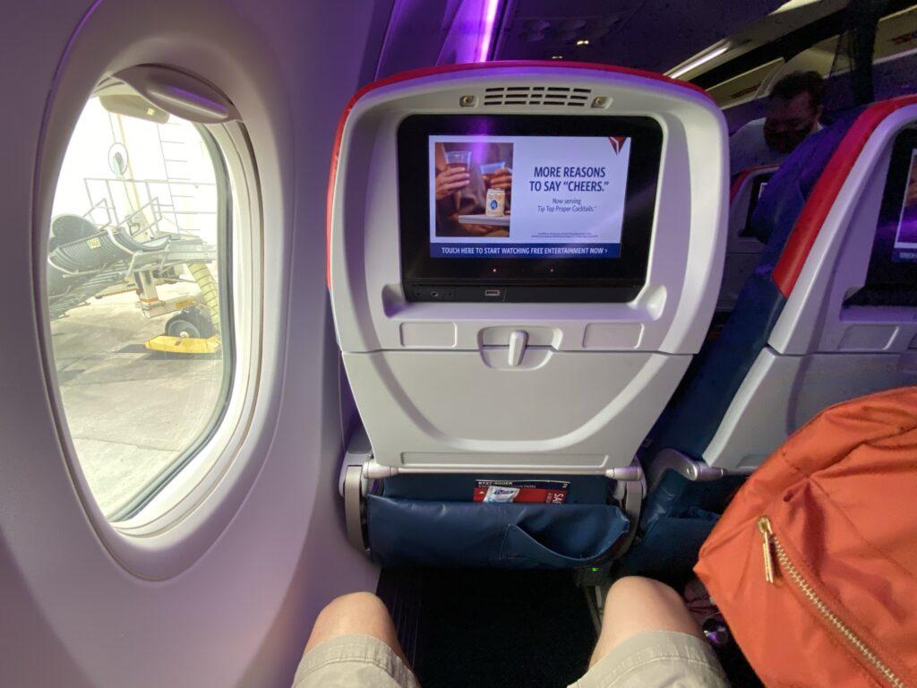 Panasonic Eco Series 9 inch IFE monitors in the 737-900ER