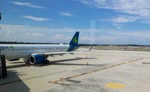 Aer Lingus A321neo parked at a Washington Dulles International Airport gate for transatlantic flight.
