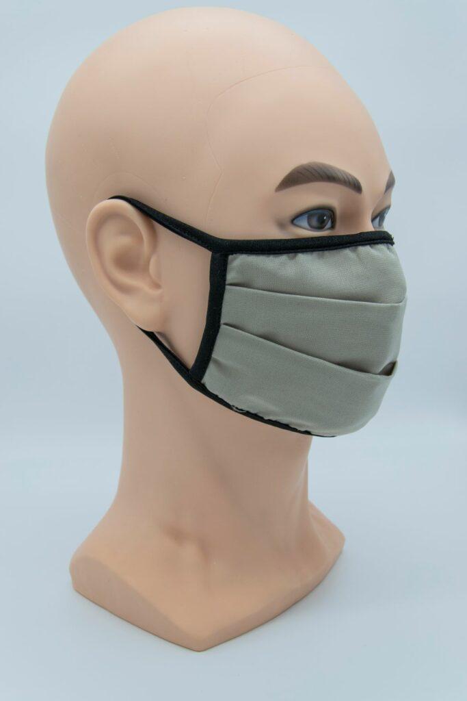 FLYSAFE Mask on a mannequin head