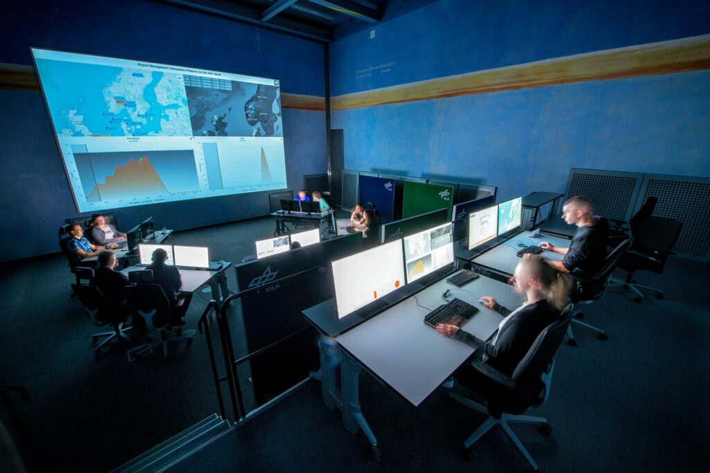 DLR Airport and Control Center Simulator (ACCES)